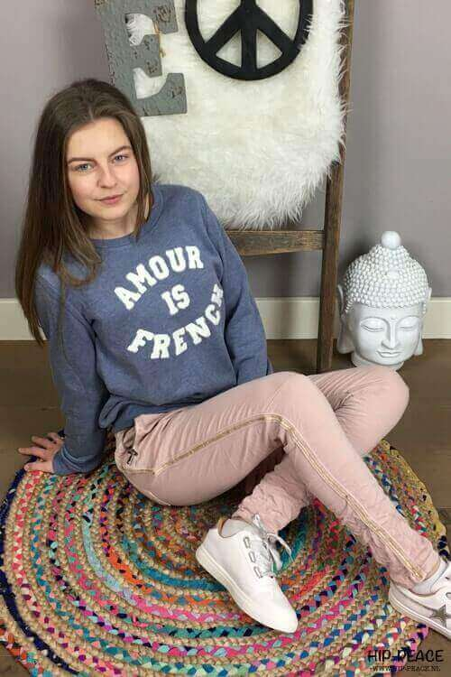 Sweater Amour lichtblauw