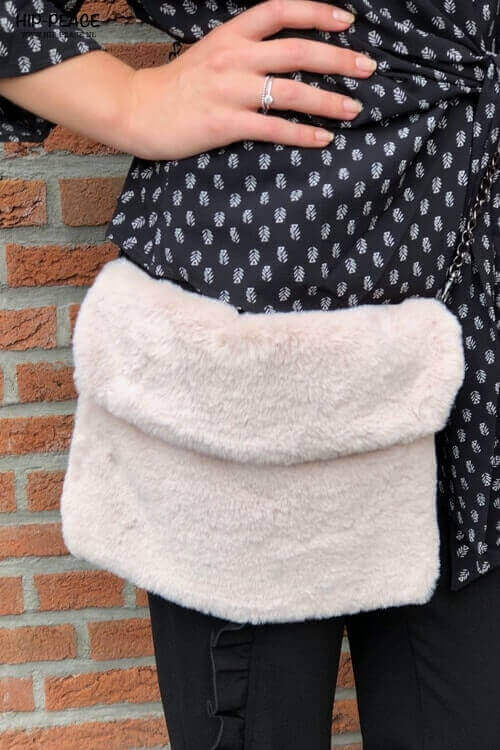 Hip-Peace fake fur bag creme